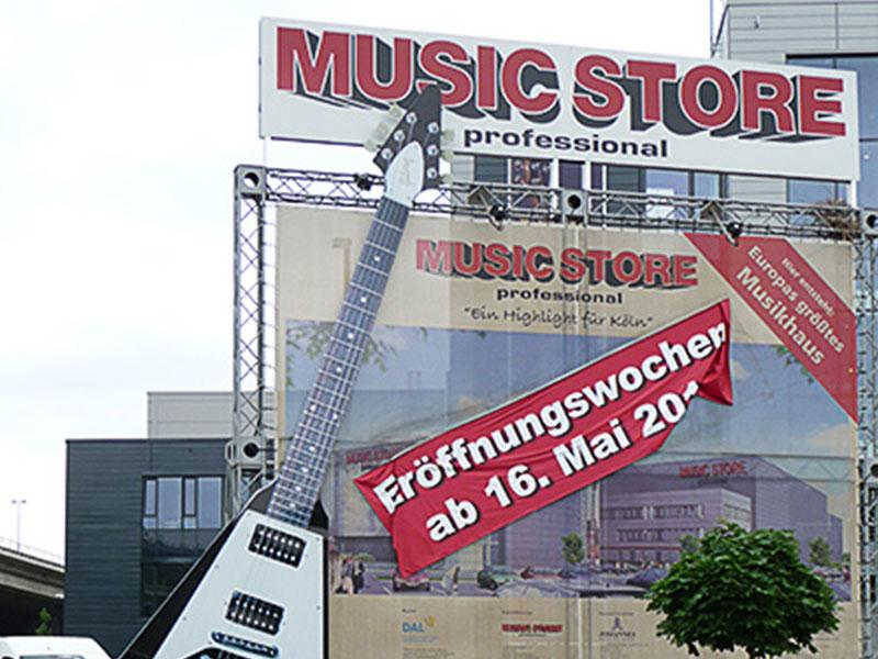 Metallbau Hollax Werbeanlage Music Store Köln